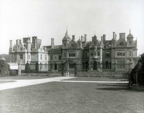 Stoke Rochford Hall 1901 (Country Life)