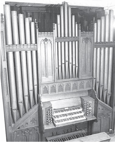 Breadsall Priory organ, worked by hydraulic power, in 1975 (Keith Pollard Photography)
