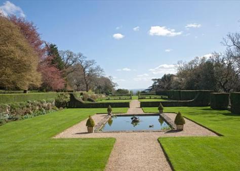 Conkwell Grange Garden (Knight Frank)