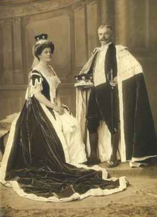 Olive Middletons couisn Lady Airedale and her husband Lord Airedale at the 1911 coronation of George V.jpg Edit
