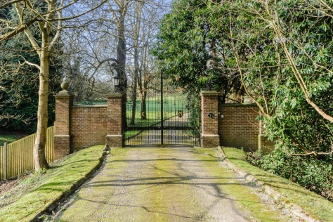 Kingswood Manor 4