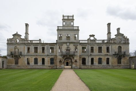 Kirby Hall (Wikipedia)