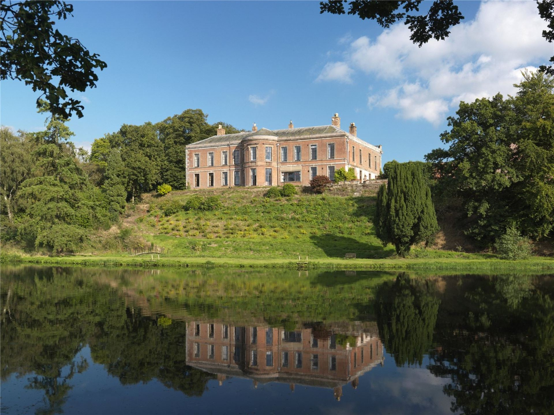 Oakley Hall 1 (Savills)
