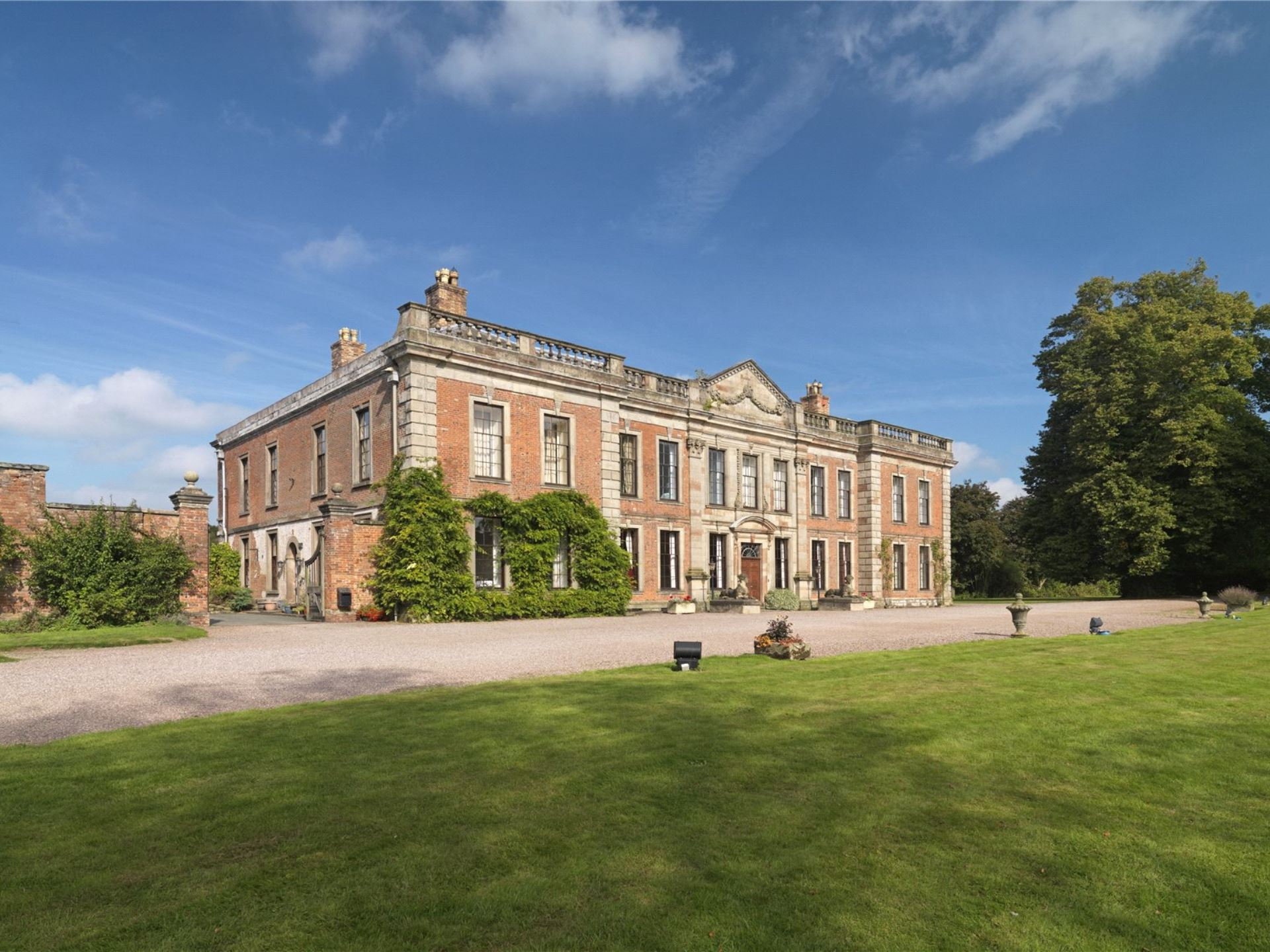 Oakley Hall 2 (Savills)