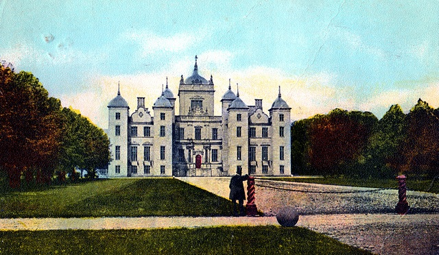 NEW MURTHLY CASTLE