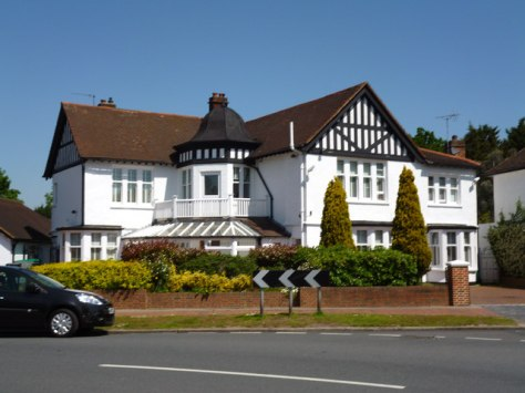 Corner of hayes Way and Wickham Way - Geograph - Dr Neil Clifton
