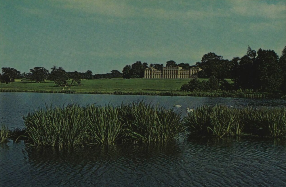 Heveningham Hall - Suffolk - Illustrated London News - 1 Oct 1974 (BNA)