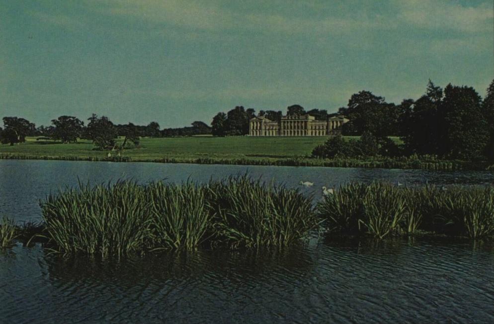 Heveningham Hall - Suffolk - Illustrated London News - 1 Oct 1974 (BNA)