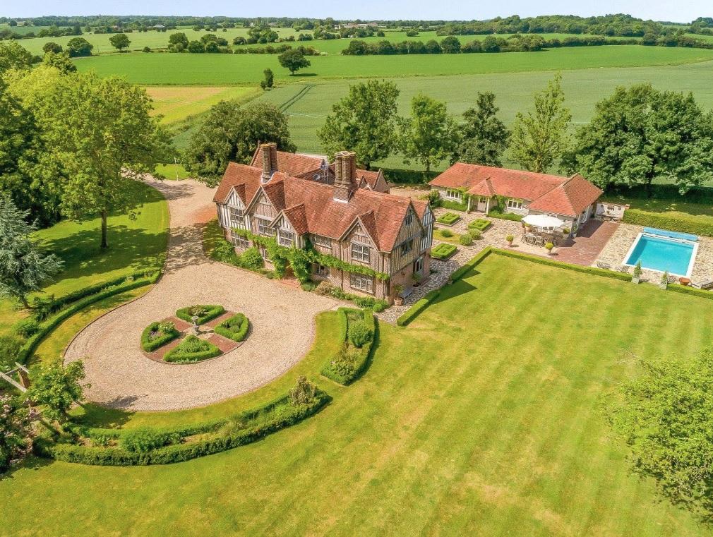 Broomwood Manor - 2018 - Savills 1