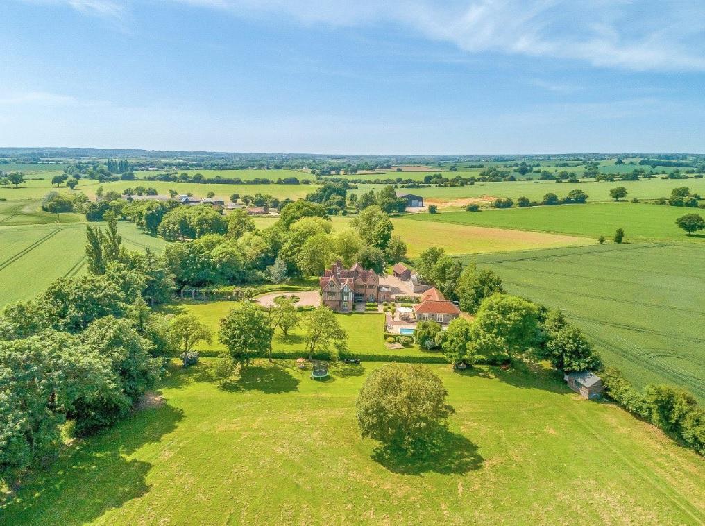 Broomwood Manor - 2018 - Savills 29